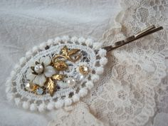handmade accessory crafts beads vintage  hairpin  Bobby Pin  lace flower