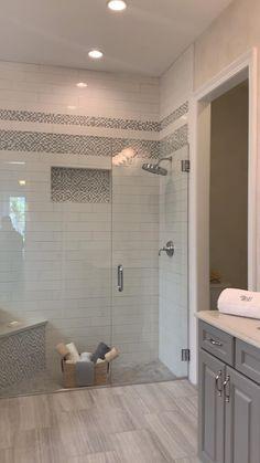 Bathroom Design Luxury, Bathroom Layout, Modern Bathroom Design, Home Interior Design, Small Bathroom, Master Bathroom, Bathroom Ideas, Bathroom Remodeling, Bathroom Storage