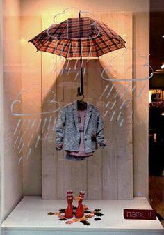 Thjeshtë dhe bukur. Për vitrinë vjeshtore!  #visual merchandising #store display