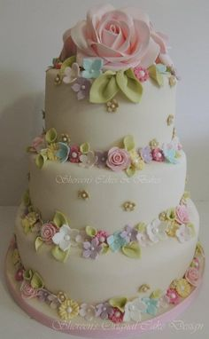 CakesDecor - a place for people who love cake decorating. Gorgeous Cakes, Pretty Cakes, Cute Cakes, Amazing Cakes, Decors Pate A Sucre, Pastel Cakes, Floral Cake, Occasion Cakes, Love Cake