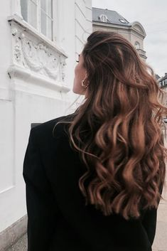 long brown hair and hairstyle inspiration with beachy waves and highlights perfect for summer and natural beauty Bad Hair, Hair Day, Girl Hair, Hair Inspo, Hair Inspiration, Long Brown Hair, Natural Brown Hair, Dream Hair, Gorgeous Hair