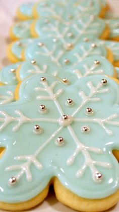 Vanilla Glace Icing Recipe ~ It dries shiny and stays fairly soft (unlike royal icing), but it still able to be stacked without the cookies sticking to each other.