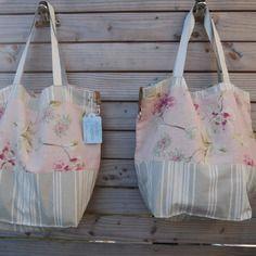 Sac de plage réversible en lin fleuri fond rose + base en toile à matelas - intérieur lin naturel