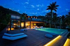 Luxurious Houses With Stunning Architecture And Interior Design