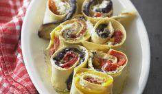 Recette Cannelloni aux aubergines, poivrons et ricotta - mélangez 125 g de ricotta avec 50 g de parmesan, les 4 cuil à soupe de basilic, du sel, du poivre et un filet d'huile d'olive. 4 Etalez sur chaque feuille de lasagne une fine couche de farce. Disposez par-dessus 1 tranche d'aubergine et des quartiers de poivron, en une seule couche sur toute la surface de la pâte. saupoudrez de parmesan