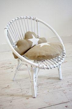 1000 id es sur des chaises en osier sur pinterest chaises osier blanc et porches. Black Bedroom Furniture Sets. Home Design Ideas