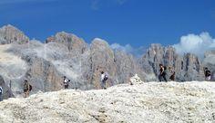 Escursione alpina facile attraversando il gruppo delle Pale di San Martino fino ai resti del ghiacciaio Fradusta.