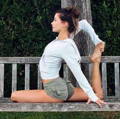 """""""Let yourself be silently drawn by the pull in your heart; it will not led you astray."""" - Rumi // Odette Hughes Yoga // Bamboo Pocket Hoodie and Bamboo Pocket Short @publicmyth"""