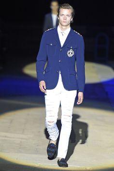 Philipp Plein Men's RTW Spring 2015 [Photo by Giovanni Giannoni] Ripped Denim, Denim Pants, Men Fashion Show, Mens Fashion, Mens Attire, Spring Collection, Spring 2015, Vest Men, Menswear