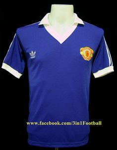 Manchester United 1980 Away Blue Classic Football Shirts, Retro Football, Football Kits, Vintage Football, Blue Football, Football Uniforms, Football Jerseys, Retro Shirts, Vintage Shirts