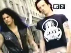 Slash, Duff, Scott, Matt y Dave grabando el video para Slither.