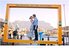 Couple shoot in Cape Town with Table Mountain {www.lindytruter.com}