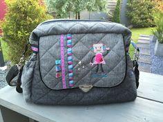 In meinem Blog geht es um nähen, sticken mit der Stickmaschine, Stoffe und Taschen.