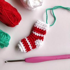 Mini Christmas Stocking – fast and easy pattern – MotherBunch Crochet Crochet Christmas Stocking Pattern, Crochet Stocking, Crochet Tree, Crochet Christmas Ornaments, Christmas Knitting, Christmas Crafts, Crochet Gifts, Christmas Tables, Nordic Christmas