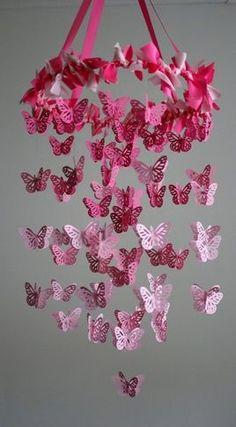 Móbile de borboletas degradê.
