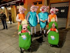 Peppa Pig, Ronald Mcdonald, Costumes, Fictional Characters, Ideas, Costume, People, Blue Prints, Dress Up Clothes