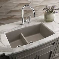 Blanco sinks will be the perfect finishing touch to any modern kitchen design. The sink is one of the most important elements of the kitchen design as Granite Kitchen Sinks, Kitchen Sink Faucets, Kitchen Sink Ideas Undermount, Undermount Sink, Kitchen Backsplash, Backsplash Ideas, Best Kitchen Sinks, Double Kitchen Sink, Stone Backsplash