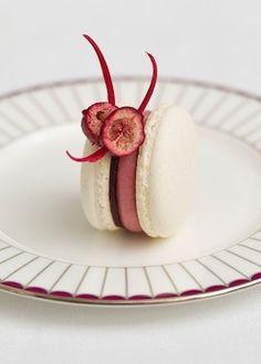 Cranberry Macaron