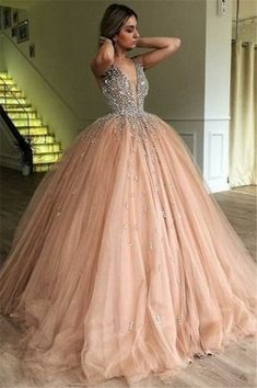 This beautiful Chic V-Neck Straps Sleeveless Rhinestones Tulle Ball Gown Prom Dresses will make your guests say wow. The V-neck,Straps bodice is thoughtfully lined, and the Floor-length skirt with Rhinestone to provide the airy, flatter look of Tulle. Tulle Balls, Tulle Ball Gown, Ball Gowns Prom, Tulle Prom Dress, Ball Dresses, Evening Dresses, Dresses Dresses, Beaded Dresses, Elegant Dresses