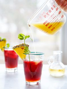 mocktails: pineapple hibiscus tea use honey simple syrup instead of sugar. Tea Cocktails, Party Drinks, Fun Drinks, Cocktail Recipes, Healthy Drinks, Cold Drinks, Healthy Food, Drinks Alcohol Recipes, Non Alcoholic Drinks