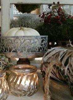 Ein Teil der Herbst-Deko auf dem Tisch.................