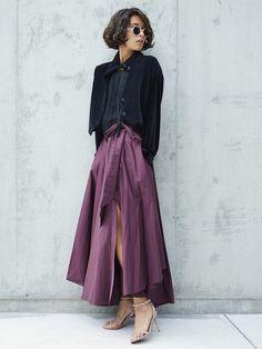 【ELLE】スリットスカートで秋モードなドレスアップを♡|エル・オンライン