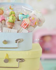 Decoden, Pasta Flexible, Planner Organization, Paper Clip, Clay Art, Wood Crafts, Biscuits, Polymer Clay, Arts And Crafts