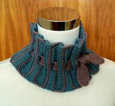 Use simple stitches and surface crochet, to create a stylish gathered cowl to keep you warm on those cool days.