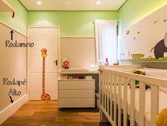 Rodapé alto e rodameio Cribs, Storage Chest, Sweet Home, Cabinet, Bed, Furniture, Home Decor, Fashion, Wall Hanging Decor
