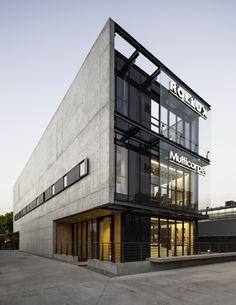 Imagen 16 de 24 de la galería de Showroom ROLLUX MULTICARPET / +arquitectos. Fotografía de Aryeh Kornfeld