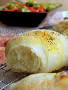 Light and airy homemade bread - - Cooking Bread, Cooking Chef, Cooking Recipes, Cuisine Diverse, Bagel Recipe, Food Is Fuel, Turkish Recipes, Food Pictures, Family Meals