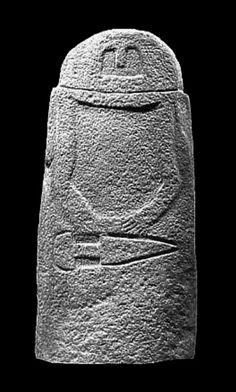Le statue-stele in pietra arenaria rinvenute nella Lunigiana interna ed esposte per la maggior parte nel museo di Pontremoli, sono ormai più di cento e sono di fatto il più importante gruppo di monumenti iconografici di epoca preistorica di tutta Europa.