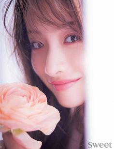 石原さとみ 愛について考えてみる | FASHION BOX Satomi Ishihara, Prity Girl, Asian Babies, Asian Actors, Cute Woman, Asian Beauty, Cute Girls, Asian Girl, Aurora Sleeping Beauty