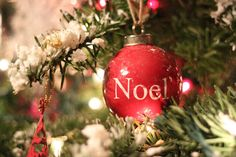Mockingbird Cottage: Homemade Christmas Tree Flocking / SNOW