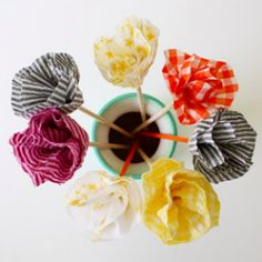 DIY fabric flowers - and here's the best part, no sewing! A great roundup of 10 DIY projects for the summer. (image by Dana Made It)