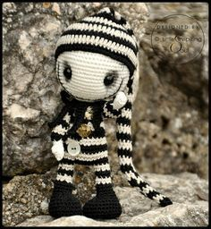 GOTHIC DOLL crochet pattern Little Inspiring by lescreasdeclo