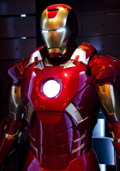 An Iron Man suit on display Marvel Characters, Marvel Heroes, Marvel Avengers, Marvel Comics, Iron Man Suit, Iron Man Armor, Tony Stark Gif, Iron Man Wallpaper, Ironman