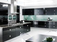 15 Black and Gray High Gloss Kitchen Designs - Fox Home Design Black Gloss Kitchen, High Gloss Kitchen Cabinets, Black Cabinets, Kitchen Cabinet Design, Kitchen Appliances, Black Appliances, Black Kitchen Furniture, Kitchen Interior, Modern Furniture