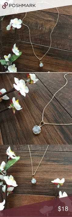 Dainty Druzy Necklace - Boho Beautiful faux druzy pendant on a gold adjustable chain! Delicate & gorgeous. Jewelry Necklaces