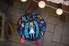 No País das Maravilhas   3 anos da Alice {Decoração: Festa de Brincar   Fotos: Cynara Takahashi e Carina Iwahashi – Art Baby Foto e Debora Torrieli Fotografia}