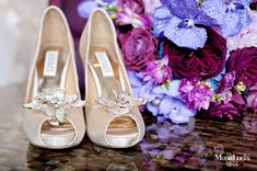 A Colorful Peacock Inspired Wedding in Alabama - Munaluchi Bridal Magazine #champagneshoes #studdedshoes #bridalshoes