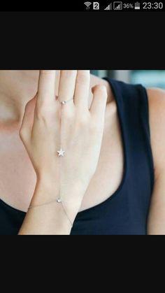Bracelets – Page 2 – Modern Jewelry Fancy Jewellery, Stylish Jewelry, Simple Jewelry, Cute Jewelry, Fashion Jewelry, Diamond Jewellery, Body Chain Jewelry, Hand Jewelry, Jewelry Design Earrings
