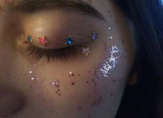 source: Anniebanahhhnie Just glue shit to your face lmao for the aesthetic