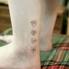 Shared by Lisa Satosis. Find images and videos about bts, tattoo and love yourself tear on We Heart It - the app to get lost in what you love. Mini Tattoos, Little Tattoos, Body Art Tattoos, Small Tattoos, Kpop Tattoos, Army Tattoos, Korean Tattoos, Tatoos, Minimalist Tattoo Meaning