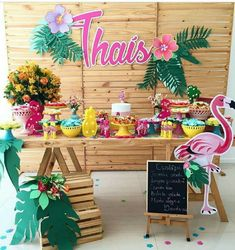 Nice table & back drop decorations Aloha Party, Hawaii Birthday Party, Hawaiian Birthday, Tiki Party, Luau Party, Flamingo Party, Flamingo Birthday, Moana Party, Birthday Decorations