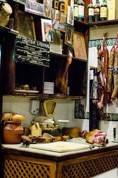 Bar Las Teresas Jamón Ibérico de bellota de tapas en Sevilla, Spain