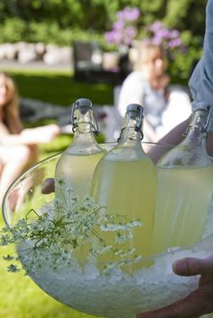 Traditional May Day beverage in Finland, the Sima. Fermented lemon with raisins and yest. Here a sort with honey | Topi-Keittiöt - Hunajaista simaa – niin ihanaa ❤