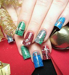 Uñas de Navidad: imágenes con los mejores diseños, decoracion de uñas acrilicas navidad.  #coloresuñasnavidad #navidadnails #uñasnavidad