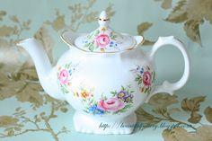 BEAUTIFUL POTTERY: Vintage teaset