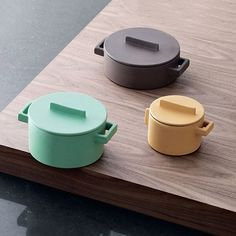 Sambonet produced a contemporary terracotta ware utilizing simple geometry and a solid pop of color